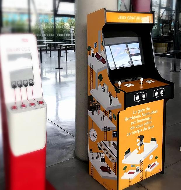 Vous ne rêvez pas, vous pouvez jouer aux jeux vidéos sur la borne d'arcade de la gare de Bordeaux !